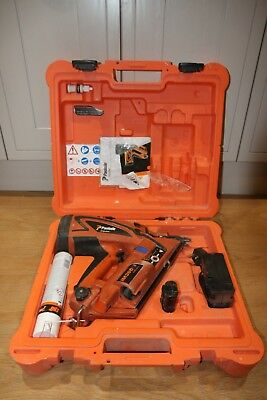 paslode im360ci Lithium nail gun. well used but in fully working condition