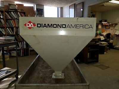 Metal Feeder Chute Diamond America Livestock feeder