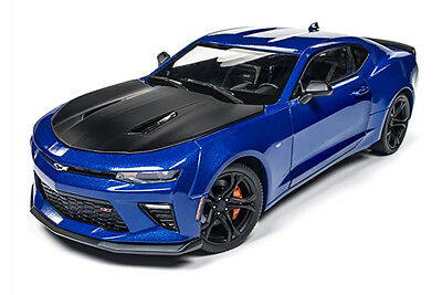 Muscle Cars USA | Chevy® Camaro® SS™ 1LE 50th Anniversary Hard Top (2017, 1/18 )