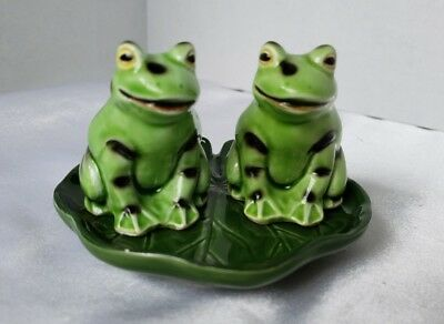 Takahashi Ceramic Twin Frogs on Lillypad Salt & Pepper Shakers