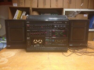 Philips Stereo Midi HiFi System - radio, cassette, record deck and 2 5w speakers