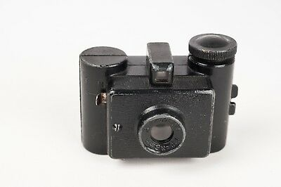Sida Standard c1938  Black metal miniature camera for 25x25mm