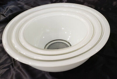 Set of 3 Vintage Nesting Pyrex Bowls White w Clear Bottoms 322, 323, 325 Corning