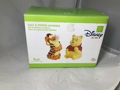 WINNIE THE POOH/TIGGER Salt and Pepper Shaker set DISNEY Home Collection