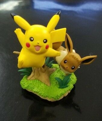 Pokemon Pikachu & Eevee Figure Poke Ball Collection NEW