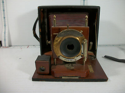 vintage Gundlach Mfg . Co  Rochester ny. wooden box leather covered camera