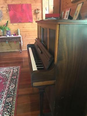 Beautiful Antique Piano (Concord) Circa 1920 Pianola USA - Immac sound w'rolls