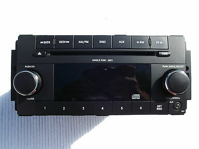 2008-2010 Chrysler 300 Single CD MP3 Player AM-FM Stereo W/aux plugin Used OEM