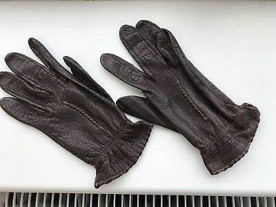 Vintage brown 1960s/1970s Ladies Leather short Gloves Small. Everyday/driving
