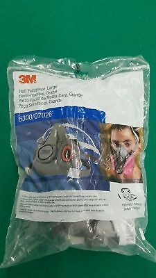 3M HALF FACEPIECE MASK REUSABLE RESPIRATOR 6300/07026 NEW small or medium
