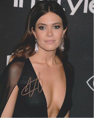 MANDY MOORE This Is Us Actress SIGNED 8x10 Photo