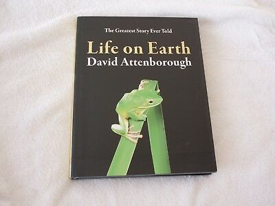 David Attenborough Life on Earth 2018 SIGNED by AUTHOR Beautifully Illustrated