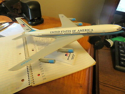 Sky Marks Desk Model Aircraft - Air Force One