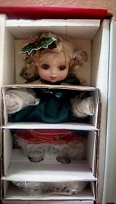 Marie Osmond Adora the Season Belle Porcelain Doll Christmas Holiday Holly NEW!