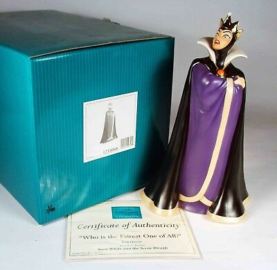 Walt Disney Classic Collection Figurine: Evil Queen from Snow White