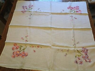 """Beautiful vintage hand embroidered tablecloth Pale Green Lilac Daisies 32"""" X 33"""""""