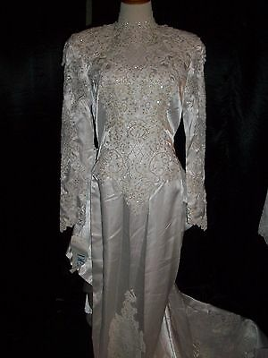 Wedding Gown/Dress Size 10 (Bank Foreclosure)
