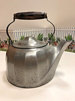 "ANTIQUE-WAGNER-WARE ""COLONIAL TEA-KETTLE"" (as engraved)  excellent condition"