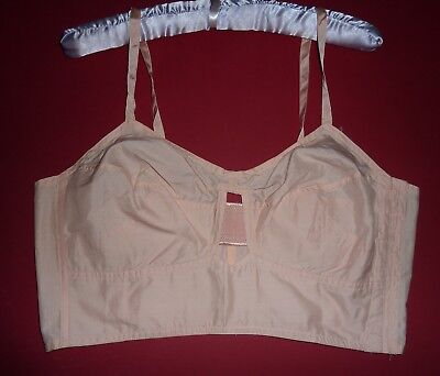 """Vintage Peachy Pink 1940s Bra~Old Shop Stock~CC41 Utility Label, 40"""" Bust"""