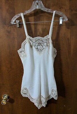 Vintage Val Mode One Piece Teddy Lingerie Snap Crotch Size Petite Off White