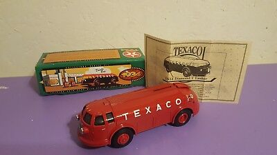 TEXACO 1934 DOODLE BUG/DIAMOND T TANKER BANK LIMITED EDITION by ERTL