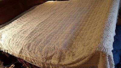 Vintage, White ,Chenille ,Bed Spread Full ?  Heavy Fabric See measurements