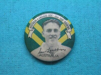 1950-51 NSW AUSTRALIA CRICKET CLUB SERIES TEAM PLAYER TIN BACK BADGE No15