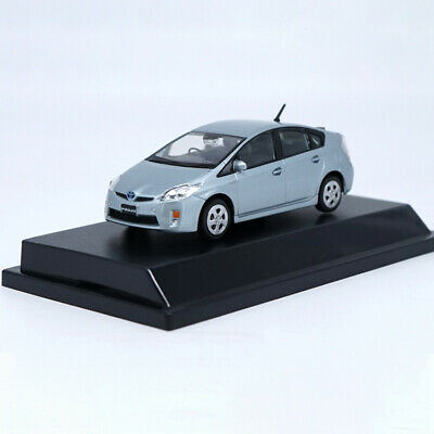 1:43 Toyota Prius alloy car model 2 color gift collection
