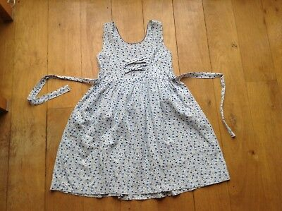 robe fille brodee 8 ans comme neuve