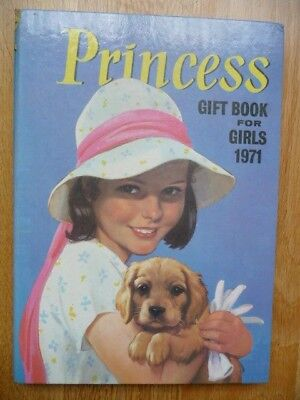 Vintage Princess Gift Book For Girls 1971 - Unclipped Annual