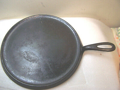 vintage ANTIQUE HEAVY Cast Iron Number G09 Griddle ERIE PA U.S.A. WITH HANDLE