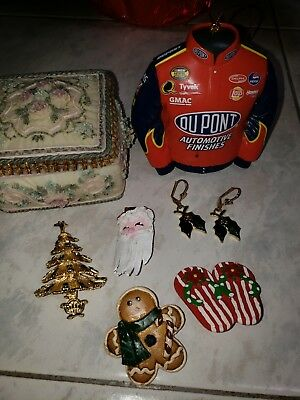 Collectable Vintage Christmas brooches lot plus, 2005  Ornament, trinket box