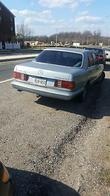 1983 Mercedes-Benz 300-Series  1983 Mercedes 300SD. 5 Cylinder Diesel.