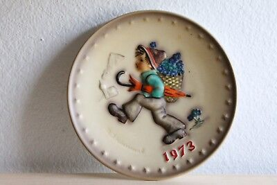 Goebel Hummel Collectible Annual Plate 1973