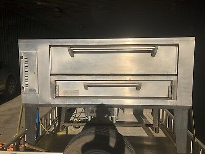 Marsal SD-448  Gas Stone Deck Pizza Oven