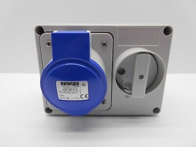 Gewiss Gw66015 32 Amp 240 Volt 3 Pin Blue Ip44 Interlocked Switched Socket