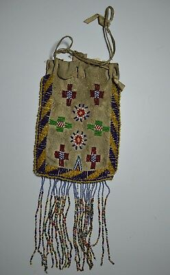 Fine Old Native American Indian Apache beaded pouch