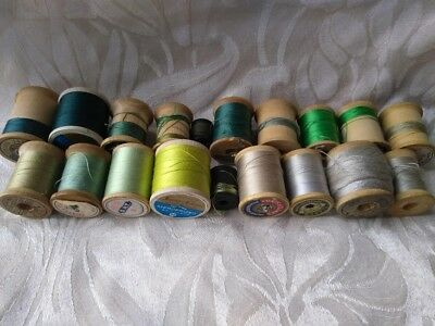 Lot of 19 Vtg Wooden Wood Thread Spools ~ Cotton & Silk Greens Grays Clark's etc