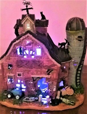 NEW Lemax Spooky Town DILAPIDATED BARN #55916, Halloween VIllage