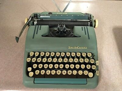 1956 Smith Corona Silent Super Manual TypeWriter W/Case, Key And Original Manual