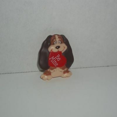 vintage hallmark valentine's day be mine basset hound puppy dog pin brooch
