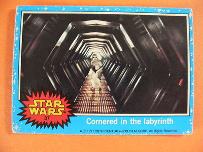 Star Wars. Topps Card. 1977. No.37. Cornered in the Labyrinth.