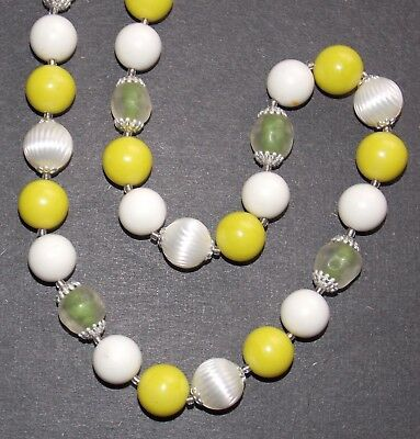 Unusual Vintage Molded Frosted Clear Art Glass Lime Green & White Bead Necklace