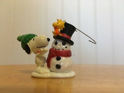 Hallmark 2008 Winter Fun With SNOOPY, 11TH in the Series, Miniature Ornament NEW