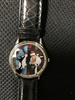 "Man's Warner Brothers Tweety & Slyvester Watch 9"" band"