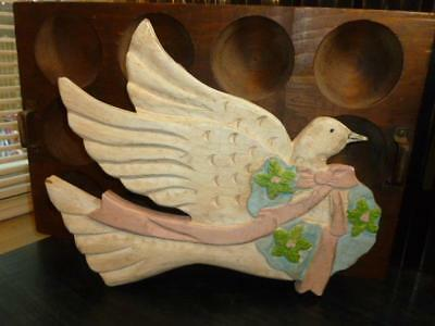 """Vintage Shabby Worn & Aged 10.5"""" X 13"""" Carved Wooden Dove Bird Wall Plaque"""