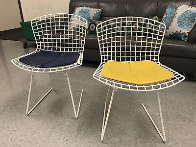 Pair 2 Knoll Bertoia Side Chairs White w Cushions MCM Mid Century Modern