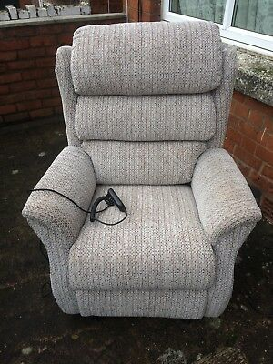 rise and recliner chair used