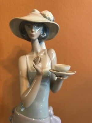 "Vintage Lladro Porcelain Statue Figurine 5470 Tea Time 14.25"" Tall with No Box"