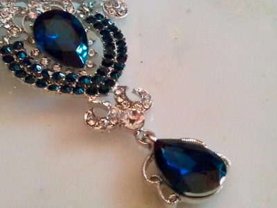 HOLLYWOOD REGENCY BROOCH!Trembler Pin!Blue Sapphire & Clear Crystals.Silver Tone